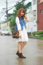 blue vest - dark brown boots - white dress - brown bag