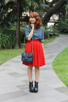 red thrifted skirt - black AsianVogue boots - blue denim giordano shirt