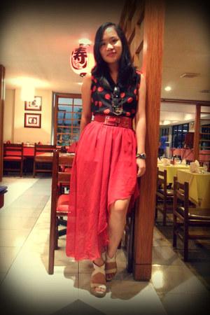 red polka dot top - red cinch belt - skirt - owl necklace