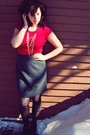 Black-thrifted-boots-black-target-tights-gray-thrifted-skirt-red-charlotte
