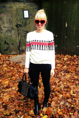soldier Choies sweater - gold buckle Charlotte Russe boots - gold studs H&M bag