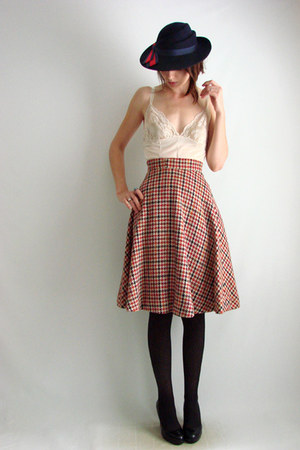 The Family Vintage skirt - The Family Vintage cardigan