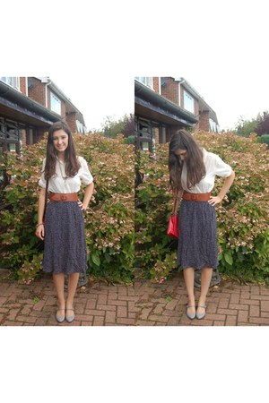 navy vintage skirt - cream H&M shirt - brick red Primark bag