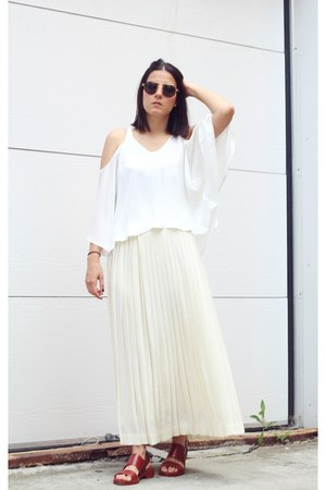 white Zara top - crimson Zara sandals - cream Vintage Ralph Lauren skirt
