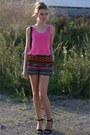 Black-unknown-shorts-hot-pink-croptop-cropped-monki-top