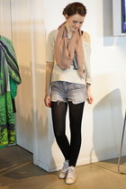 Mango scarf - vintage shoes - Mango sweater - H&M shorts