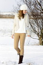 Secondhand-blazer-hub-boots-zara-coat-vila-sweater-primark-pants