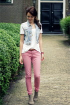 basic H&M top - dicker Isabel Marant boots - striped Primark jeans