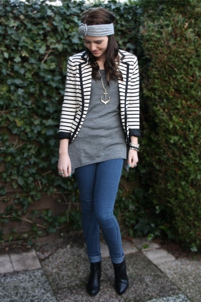 heather gray H&M top - black H&M blazer - black H&M boots - blue H&M jeans