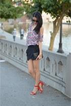Lovers  Friends top - Steve Madden shoes - Zara shorts