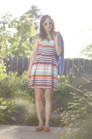 8 Target dress - AJ Morgan sunglasses - Nine West loafers