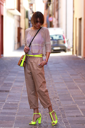 yellow Colours &amp; Beauty belt - beige Gotha shirt - tan Zara bag