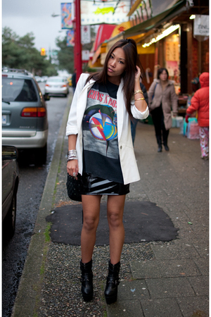 black Vintage Guns & Roses t-shirt - white Zara blazer - black h&m divided skirt