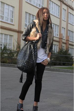 brown faux fur H&M vest - black Steve Madden shoes