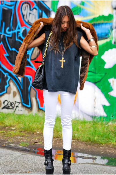 black vintage t-shirt - white Blank jeans - brown vintage vest - black Marc Jaco