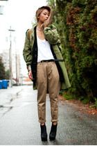 PLEATED KHAKI CAN BE.....COOL?