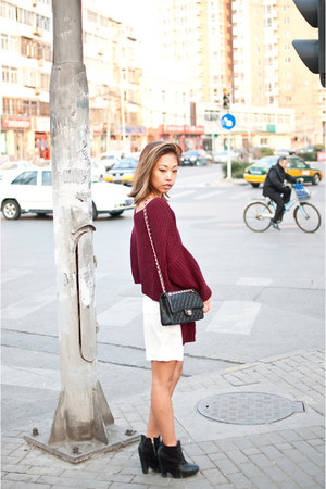 crimson HereJ sweater - black Sam Edleman boots - white shorts