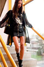 Black-vintage-jacket-the-scarlet-room-t-shirt-black-din-sko-boots-black-vi