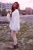 white faux fur shag Zara jacket - beige Zara boots - beige wilfred leggings