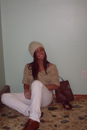 white Lucky Brand jeans - dark brown leather shoes - ivory crochet hat