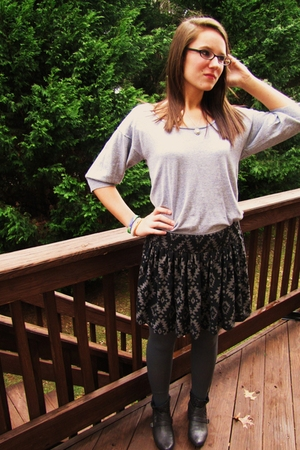 gray Forever21 tights - black boots - black Forever21 skirt - gray American Eagl