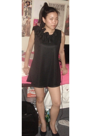 black I made it dress - black shoes