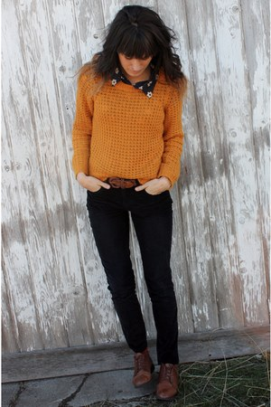 mustard knitted Roxy sweater - brown vintage shoes