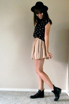 neutral chiffon American Apparel skirt - black vintage top