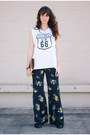 Beige-vintage-bag-white-wildfox-top-navy-floral-free-people-pants