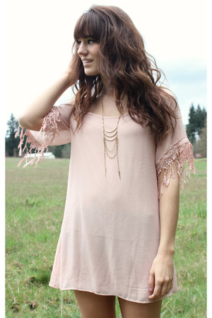 gold necklace - light pink Akira dress