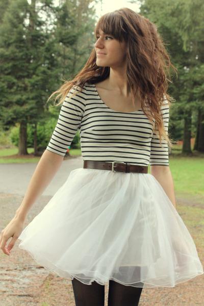 white striped dress - black tights - dark brown vintage belt