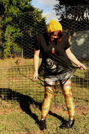 yellow der kuss Black Milk leggings - black Indy C boots - yellow modcloth hat