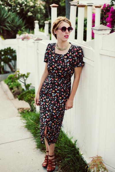 amethyst retro round Retro sunglasses - navy 40s floral vintage dress