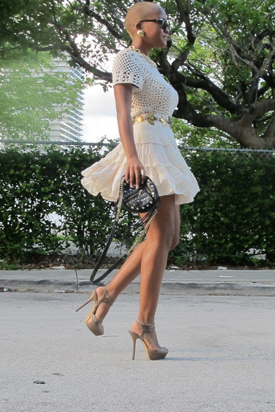 brown Steve Madden heels - beige crochet Zara dress - Persol sunglasses
