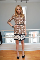 Forever 21 belt - Nine West shoes - London Times Fashion dress