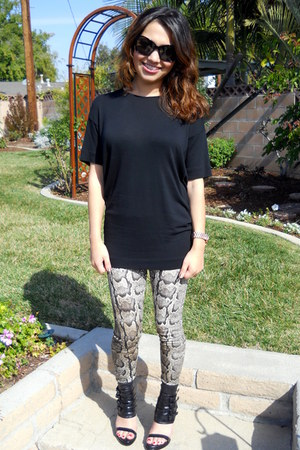 snake print H&M leggings - black Chanel sunglasses - black oversized Zara blouse