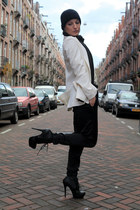 black H&M hat - off white woolen Zara blazer - black H&M scarf