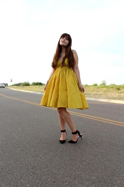 mustard sundress vintage dress - black ankle strap Zara heels