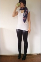 Zara shoes - Tally Weijl pants - H&M t-shirt - vintage scarf