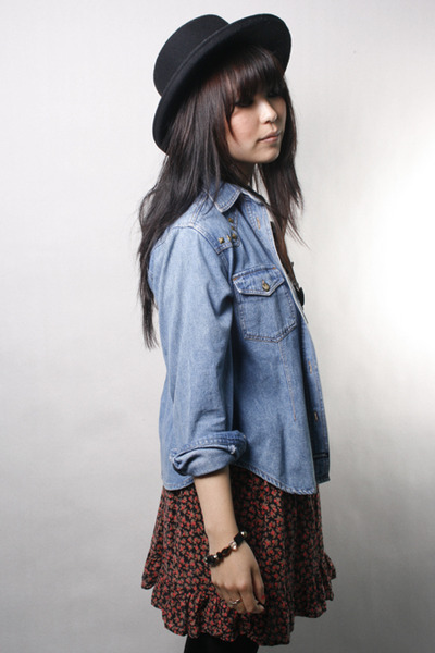 blue vintage shirt - red vintage skirt - black vintage hat
