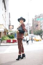 black tsubo boots - black OTTE hat - black Cleobella bag
