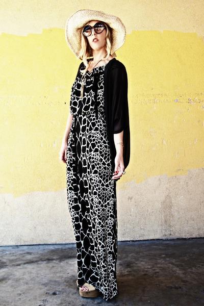 printed dress Aryn K via Crossroads dress - vintage hat - shawl sheer Gypsy 05 c