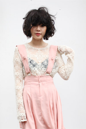 ivory lace THE WHITEPEPPER top