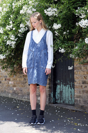 THE WHITEPEPPER blouse - THE WHITEPEPPER dress - THE WHITEPEPPER socks