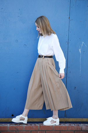 white THE WHITEPEPPER shirt - camel THE WHITEPEPPER pants