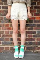THE WHITEPEPPER Sandals