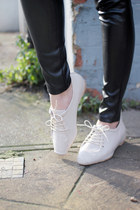 White-oxford-shoes-the-whitepepper-shoes