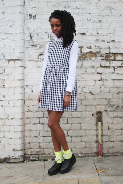 white THE WHITEPEPPER shirt - black THE WHITEPEPPER dress