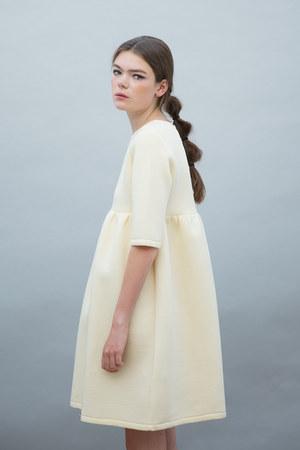 THE WHITEPEPPER shoes - THE WHITEPEPPER dress