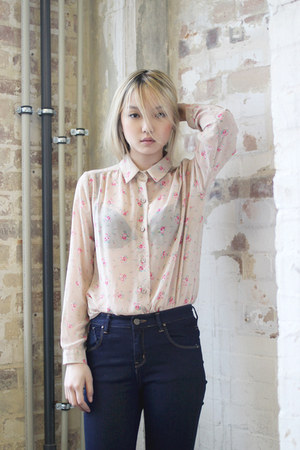 peach floral THE WHITEPEPPER blouse